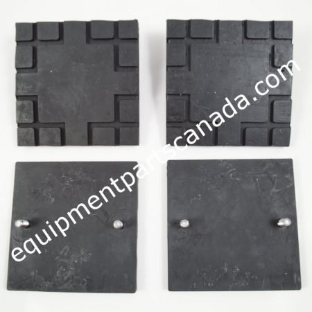 CHALLENGER SQUARE RUBBER PAD WITH 2 STUDS - 4 PCS OEM A1105-2
